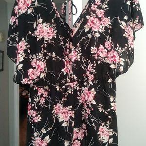 Size 1, Torrid, Floral top